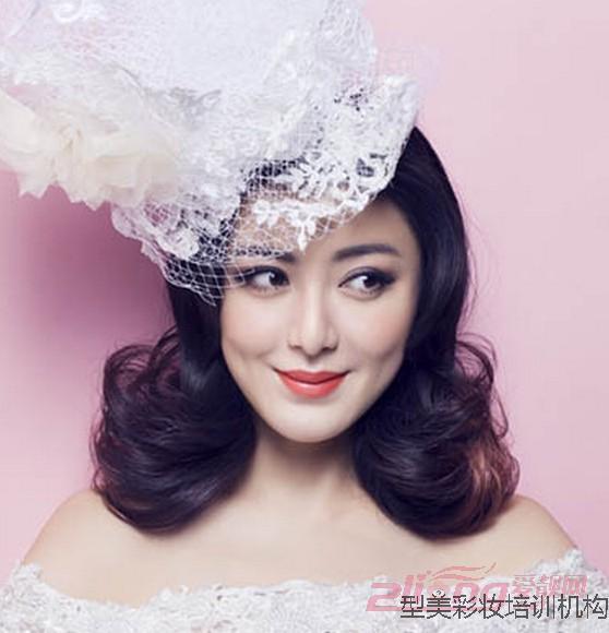 型美李老师分享-韩式新娘发型佛山化妆培训